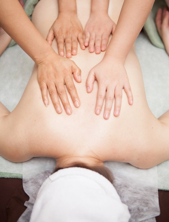 4-hands-massage-cut